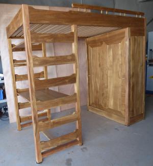 L 39 b nisterie et la restauration de meubles anciens au for Meuble bureau 974
