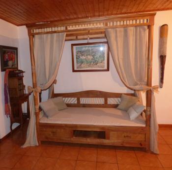 l 39 b nisterie et la restauration de meubles anciens au coeur des bois. Black Bedroom Furniture Sets. Home Design Ideas